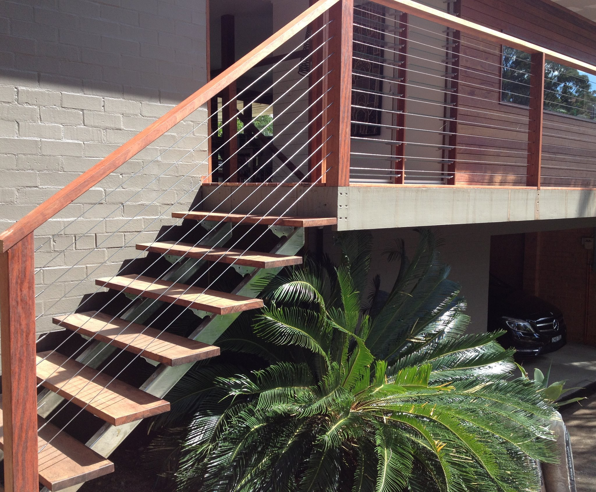 http://www.shanesstainless.com.au/q-railing-balustrade-and-handrail-systems/easy-glass-diy-balustrade-systems/easy-glass-self-install-glass-balustrading-by-q-railing.html