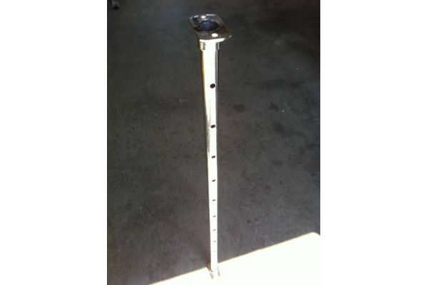 25mm stainless round posts x 1metre with base & top plate.